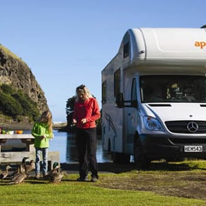 Apollo-Euro-Deluxe-Motorhome-6-Berth-lifestyle-photo-7